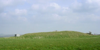 Le tumulus de Gussage, un exemple bien conservé de «long barrow» britannique (C: Jim Champion)